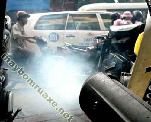 Khắc phục tình trạng xe máy ra khói trắng đơn giản