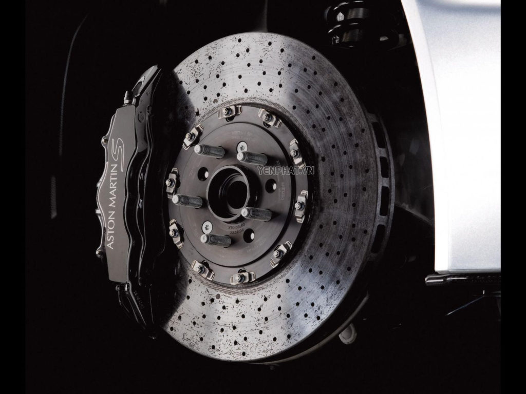 Má phanh ô tô là bộ phận giữ vai trò quan trọng của xe