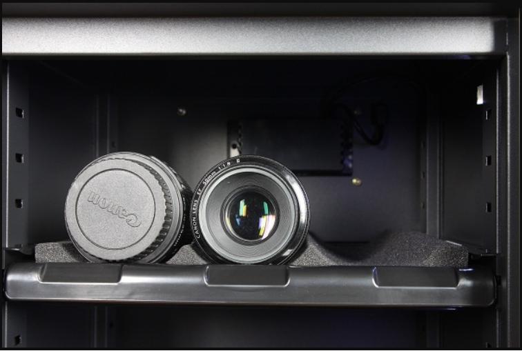 lớp mút mềm để bảo quản cho máy ảnh tốt hơn