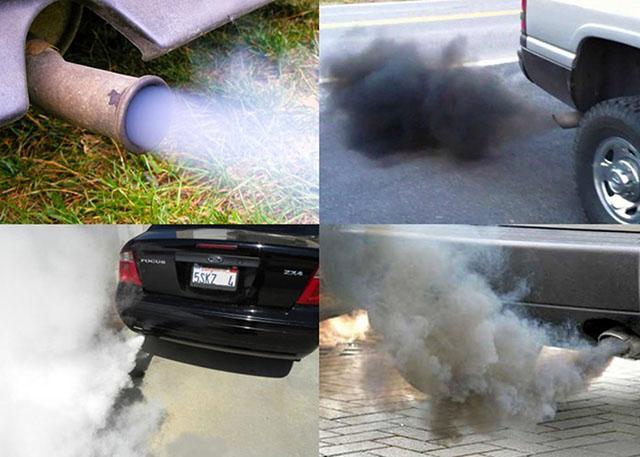 Màu khói cho thấy động cơ ô tô đang gặp vấn đề
