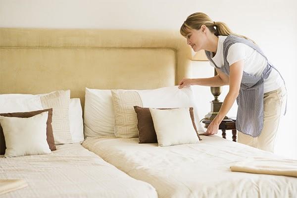 Cách khử mùi ẩm mốc trong phòng ngủ