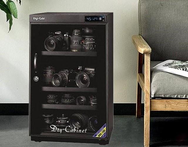Dùng tủ chống ẩm là cách bảo vệ ống kính máy ảnh tốt nhất